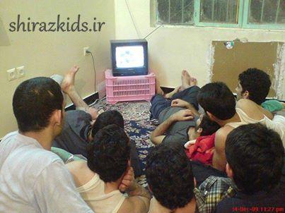 برای خوش بودن کافیه دانشجو ایرانی باشی البته پسر
